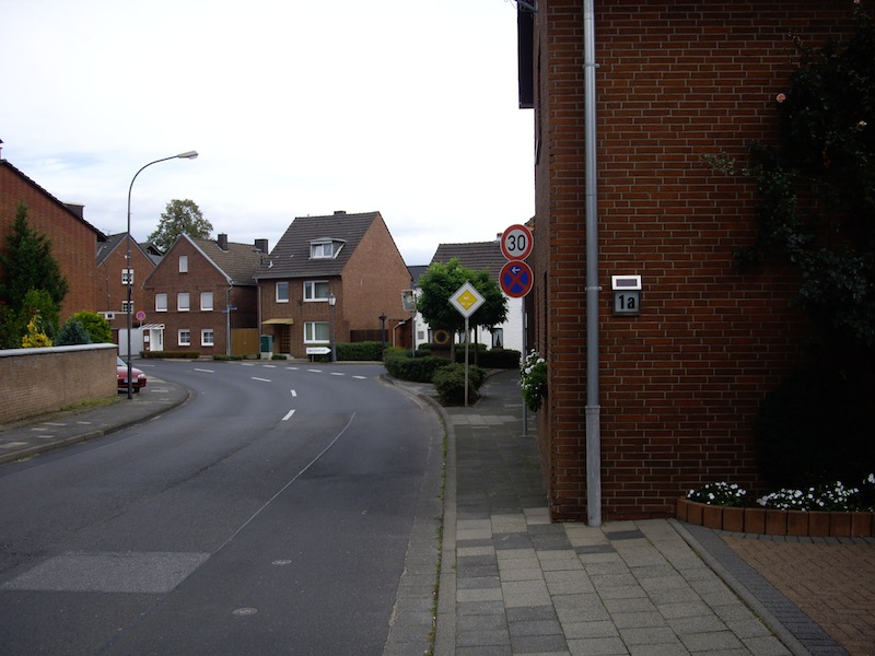 Huelchrather_Strasse
